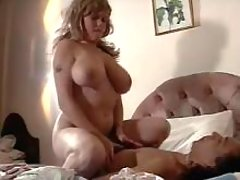 Chubby milf w big tits tempting man