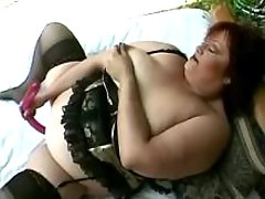 Magnificent mature dildoing herself