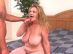 Busty mature eagers for fresh cock