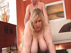 Mature plump babe gets deep massage